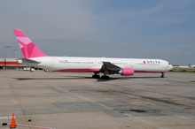 Delta Airlines Pink Plane to support Breast Cancer Awareness. Photo courtesy of Delta Airlines.