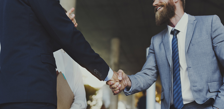 post show engagement | 13 trade show hacks | Pinnacle Promotions